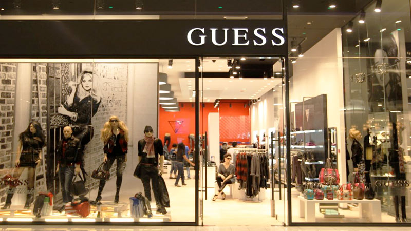 Guess Jeans Immagini & Guess Jeans Fotos Stock Alamy