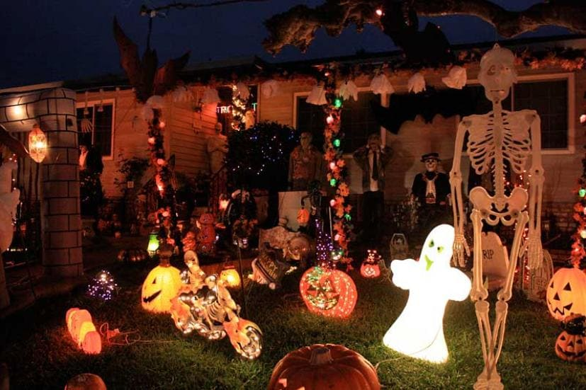 halloween house display