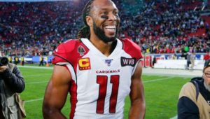 Larry Fitzgerald Signs on for Another Year with AZ Cards